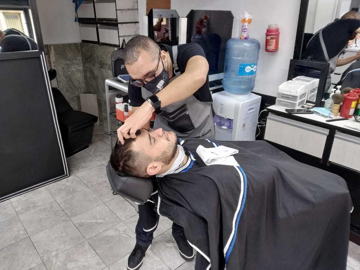 vendo- permuto barberia- peluquería