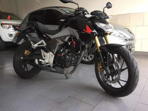 vendo / permuto moto honda cb 190 unico dueño .