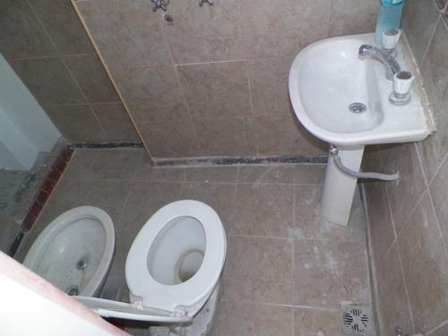 vendo ph 2 amb  local +2 baños pque avellaneda y terraza