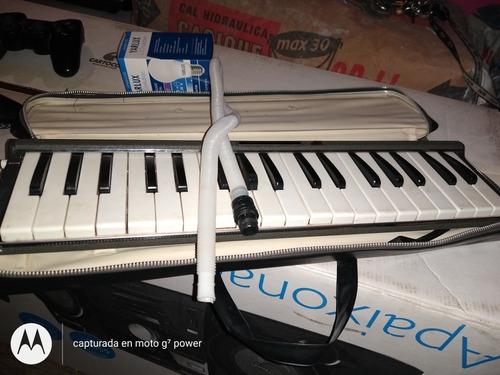 vendo pianica yamaha p-36