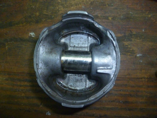 vendo piston de volvo 460, año 1992