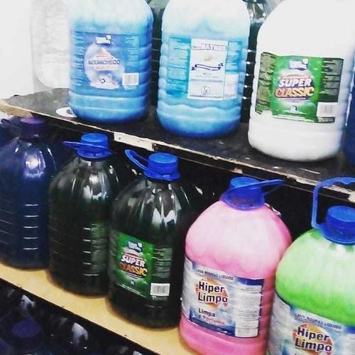 vendo produtos de limpeza de 5 litros