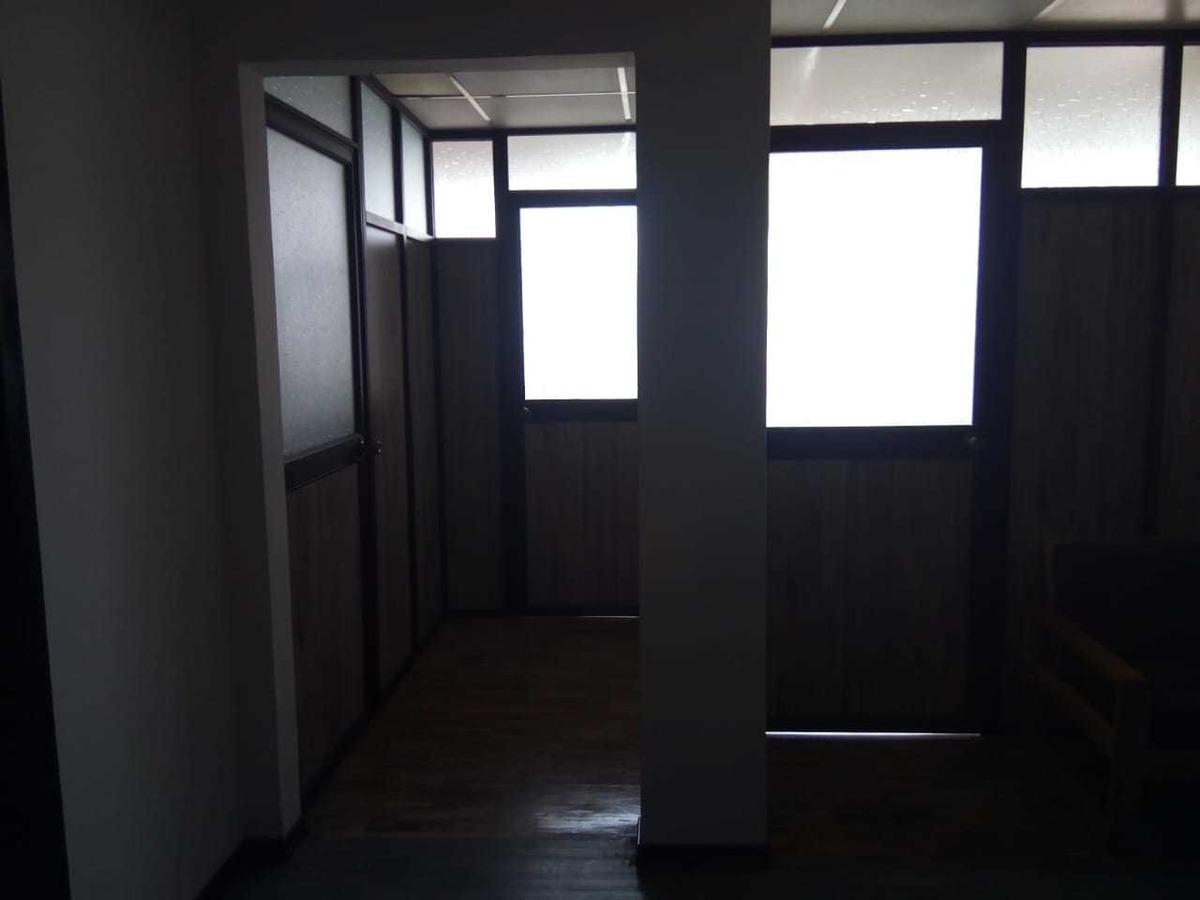 vendo puerta y divisiones de oficina aluminio vidrio y melam