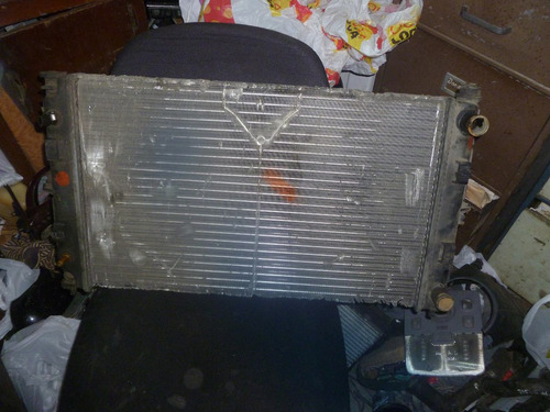 vendo radiador de mazda 323, año 1993, automatico