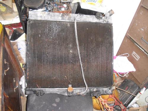 vendo radiador de toyota hi ace, año 2005, todo de metal