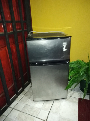 vendo refrigeradora pequena para oficina u apartamento
