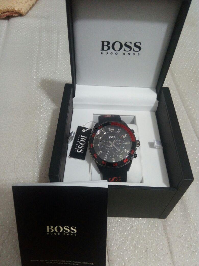 bf632a1e3909 vendo reloj hugo boss (nuevo original) para hombre. Cargando zoom.