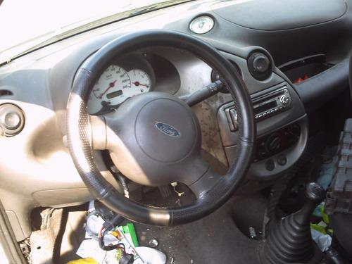 vendo renault logan em partes motor cambio carroceria porta