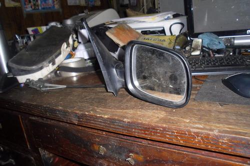 vendo retrovisor de puerta derecho de skoda fabia,  año 2003