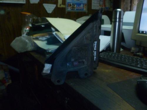 vendo retrovisor de puerta derecho  dodge caravan, año 1999