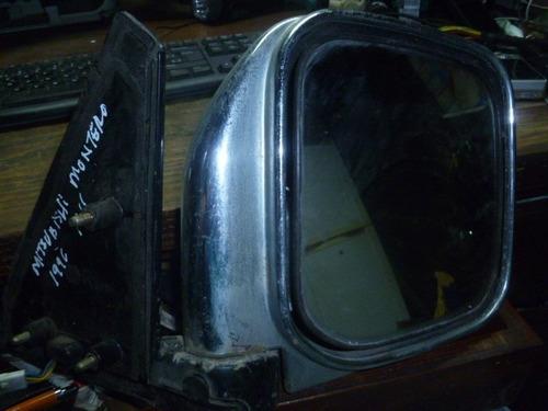 vendo retrovisor derecho de mitsubishi montero , 1996