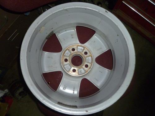 vendo rin volkswagen, # 15 en aluminio, 5 huecos