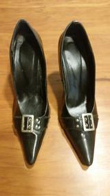 5a9c53f3da Vende Se Scarpin Daphinis - Sapatos no Mercado Livre Brasil