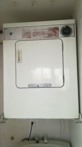 vendo secadora centrales de 20 lbs blanca excelente estado,