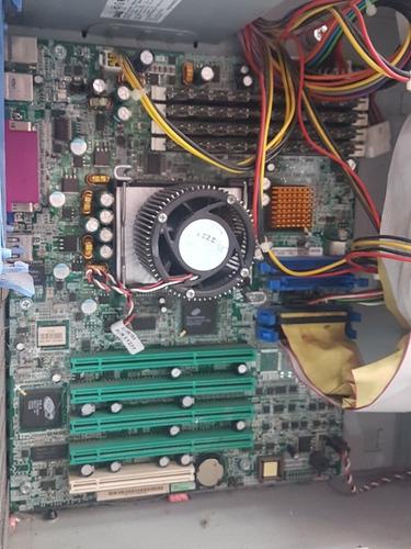 vendo servidor dell power edger 600 sc  p 4  2.4 ghz