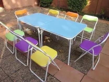 vendo sillas y mesas plegables infantiles