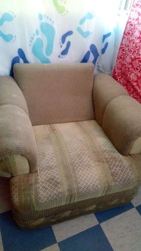 vendo sillon usado para tapizar en buenas condiciones.