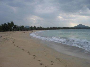 vendo  solar frente al mar , excelente para inversionistas en sector turístico
