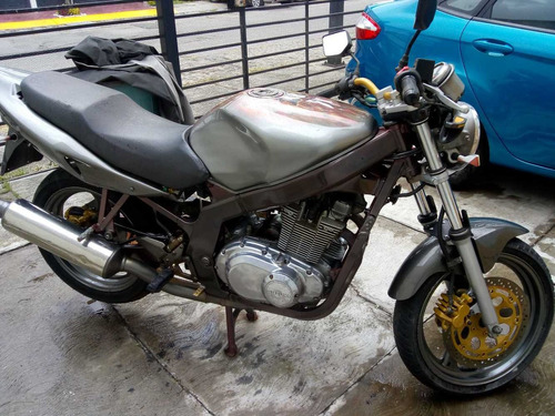 vendo suzuki gs  500 cc mdl 2006 en 50,000  negosiables
