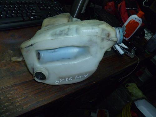 vendo tanque de waiper de audi 80, año 1990