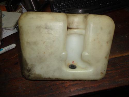 vendo tanque de waiper de pontiac gram am, año 1991