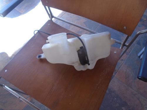 vendo tanque de wiper de nissan platina, año 2003