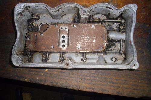 vendo tapa valvula de motor  de daewoo damas, año 2000