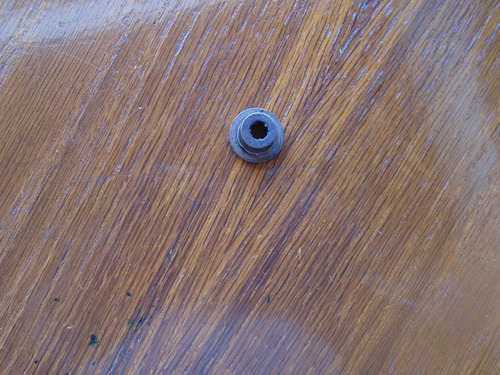 vendo tapita de valvula de cabezote de mazda · año 2005