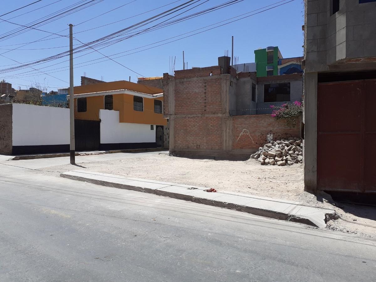 vendo terreno 117 m2 esquina ubicado urb. fundo la quebrada