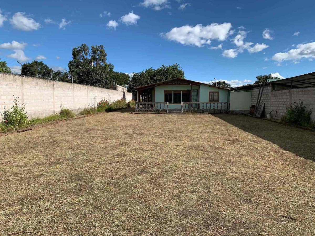 vendo terreno 1600 m2 en la mejor ubicación de tumbaco