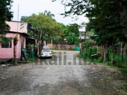 vendo terreno 200 m² colonia anáhuac tuxpan veracruz, se encuentra ubicado en la calle prolongación lucio blanco # 54 de la colonia anáhuac, cuenta con 200 m², son 10 m. de frente por 20 m. de fondo,