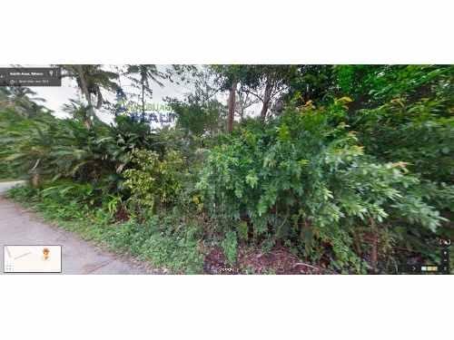 vendo terreno 790 m²  en esquina paraíso tabasco, se encuentra ubicado en el camino vecinal a quintín arauz en el municipio de paraíso, cuenta con 790 m², son 39.51 m. de frente por 20 m. de fondo, s