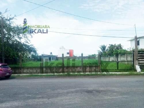 vendo terreno 892 m² col la calzada en tuxpan veracruz, se encuentra ubicado en la calle ignacio suárez de la colonia la calzada cuenta con 892.08 m² son 24.80 m. de frente por 36 m. de fondo, a medi