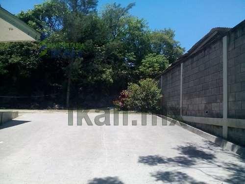 vendo terreno con bodega tuxpan ver de 1,270 m² ubicada en la av. los pinos de la colonia ampliación los mangos, cuenta con 2 baños completos, cuarto de servicio, pozo, tinaco, patio, los servicios p