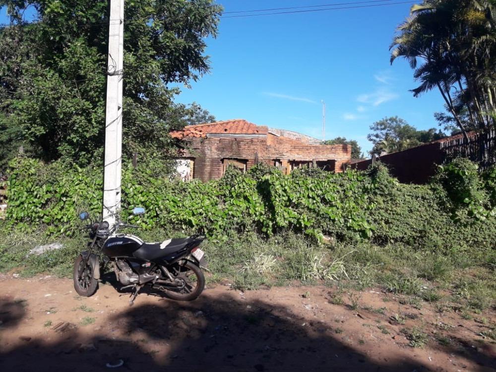 vendo terreno con casa en m.r.a zona super el pueblo