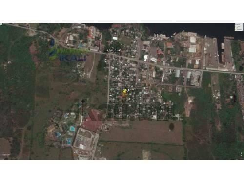 vendo terreno con construcción la victoria tuxpan veracruz 742 m², se encuentra ubicada en la congregación la victoria, cuenta con 742 m² de terreno, tiene una pequeña construcción de 40 m² que cuent