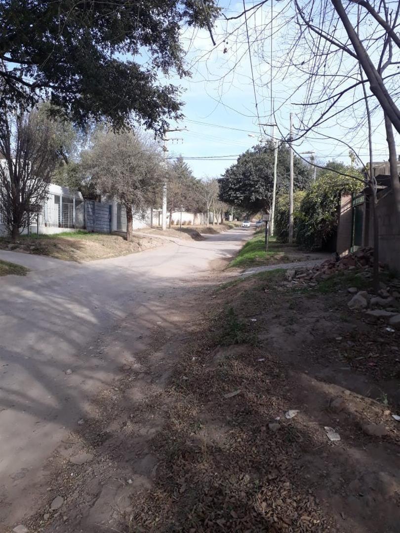 vendo terreno en barrio rivera indarte a metros de bodereau