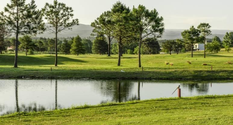 vendo terreno en carlos paz country golf club