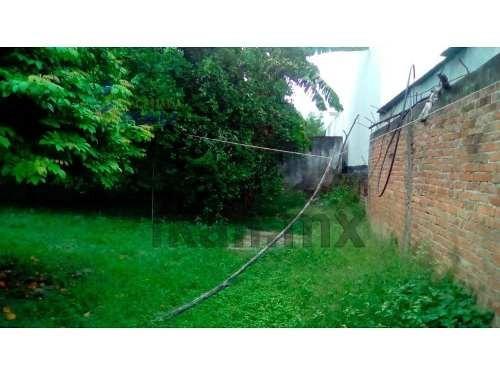 vendo terreno en poza rica veracruz 388 m². ubicado en la calle sauce # 801 de la colonia chapultepec en la ciudad de poza rica veracruz, cuenta con 20 metros por 19.40 metros de fondo. cuenta con to