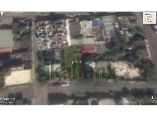 vendo terreno en poza rica veracruz 388.80 m². ubicado en la calle sauce # 801 de la colonia chapultepec en la ciudad de poza rica veracruz, cuenta con 12 metros de frente por 32.40 metros de fondo.