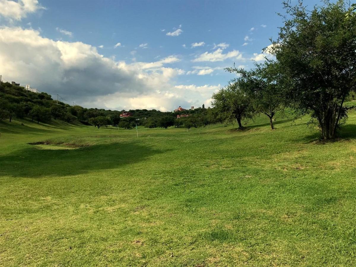vendo terreno en villa allende bº cerrado cumbres del golf