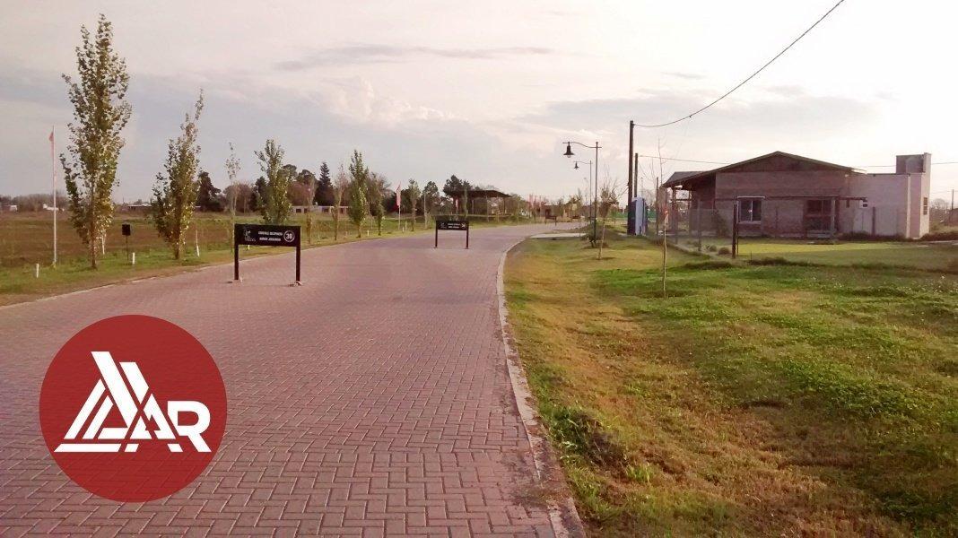 vendo terreno escriturado - barrio las tardes - excelente ubicacion