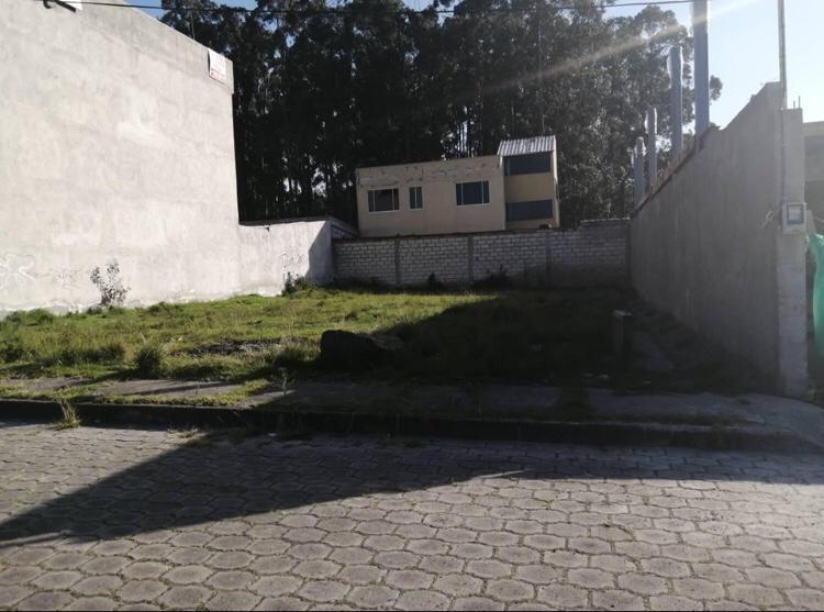 vendo terreno listo para construir en sector residencial