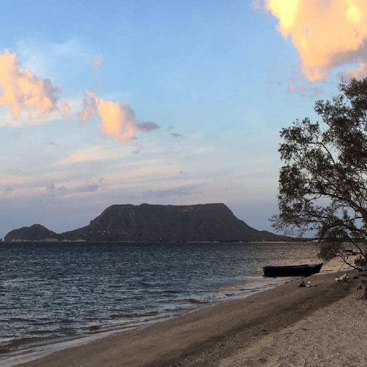 vendo terreno primera linea de playa en montecristi 20,000mt