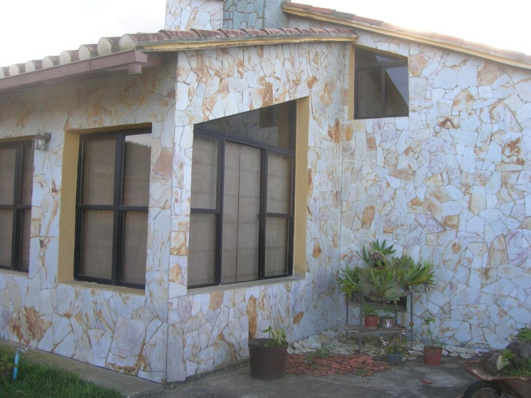 vendo terreno y  casa en el junquito