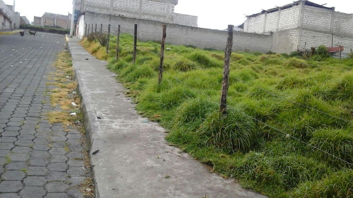 vendo terrenos de 200 metros sector guamaní quitumbe