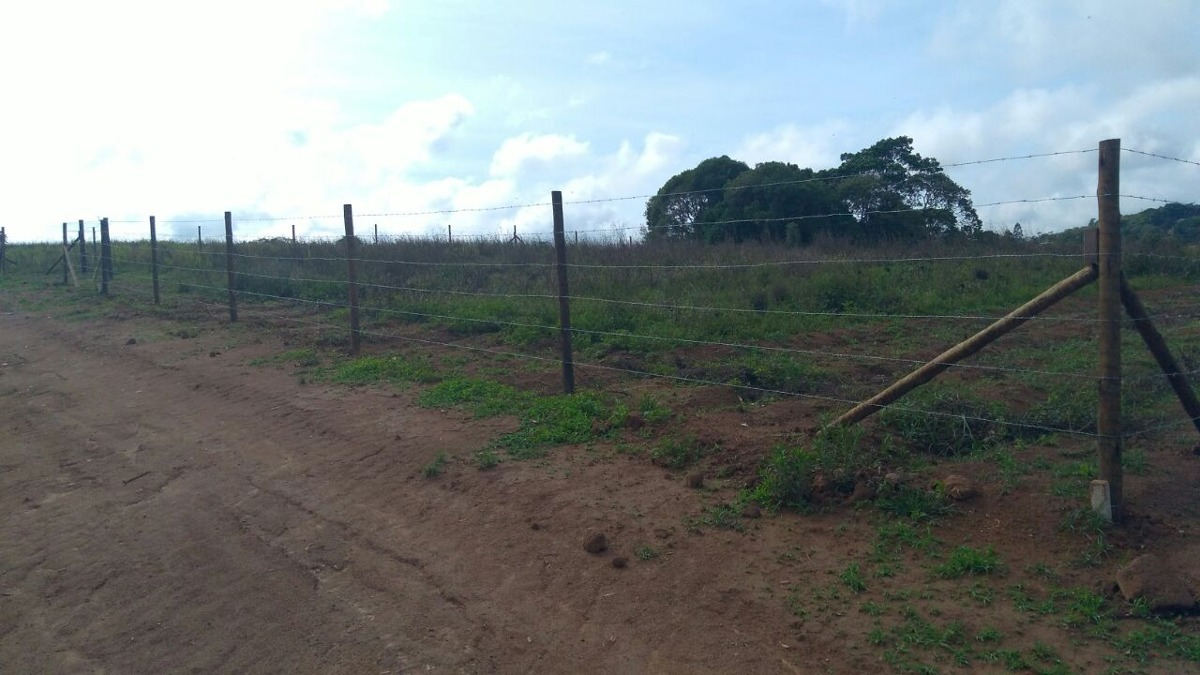 vendo terrenos planos e demarcados pronto p/ construir j