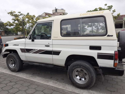 vendo toyota land crusier 3p 4x4 blanco