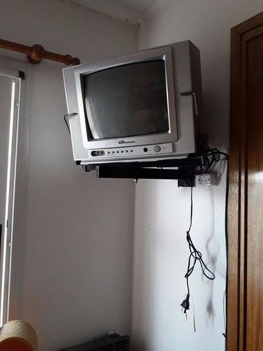vendo tv 14 bgh con soporte incluido.