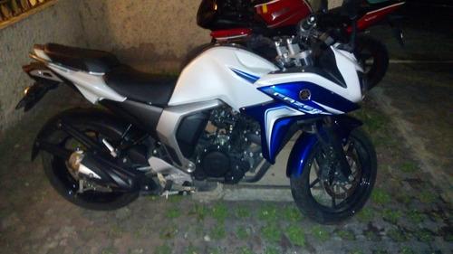 vendo u cambio moto deportiva fazer 2.0 blue core